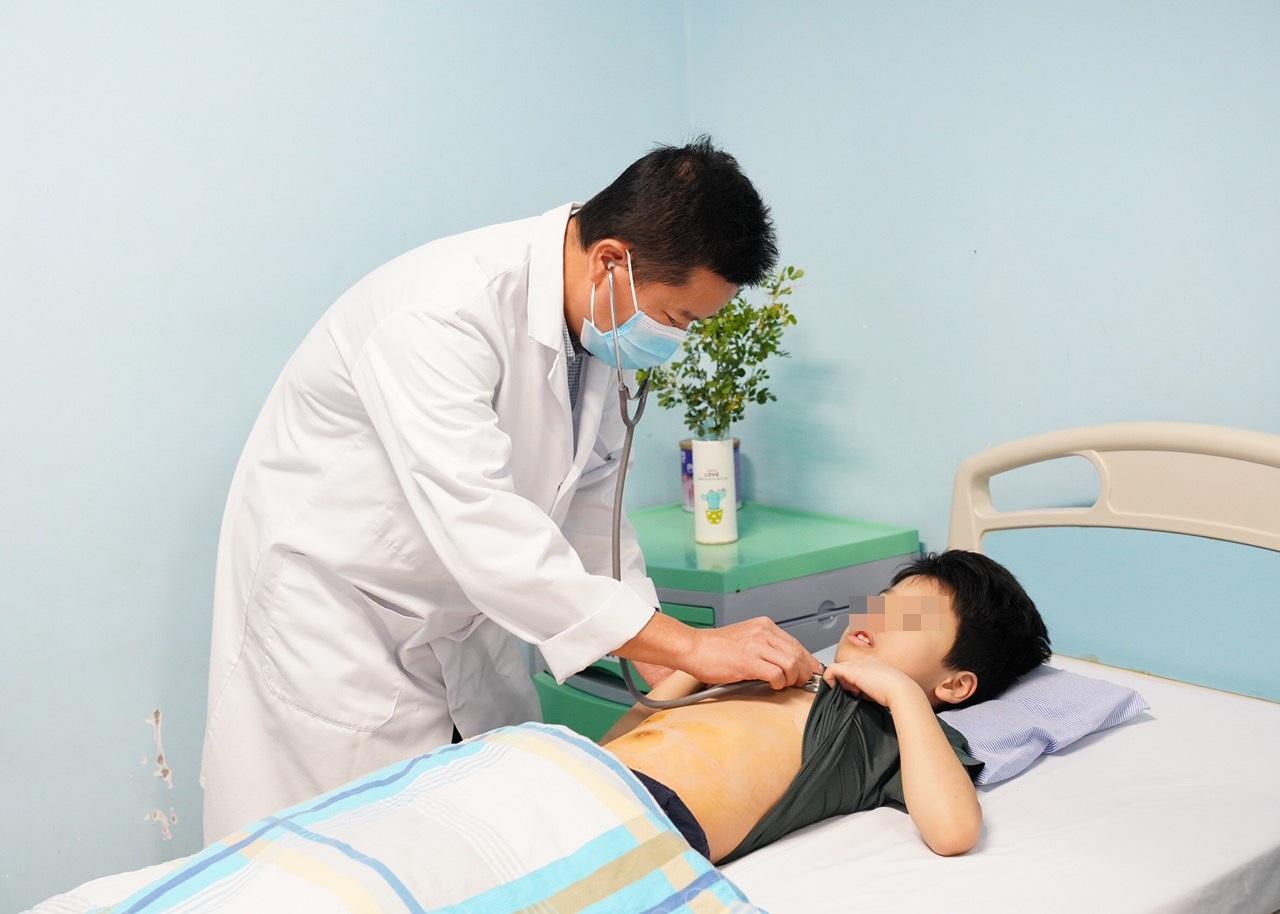 Gia tăng trẻ viêm ruột thừa biến chứng nặng do nhập viện muộn